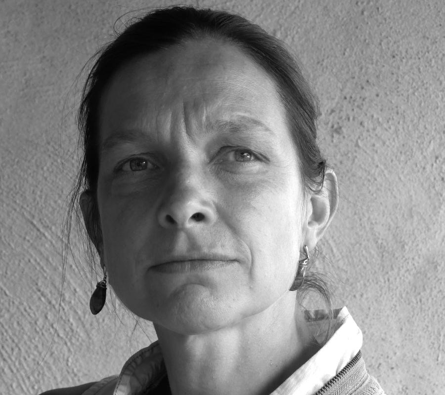 Portrait de Caroline Gros, Conseillère Conjugale et Familiale, Biographe